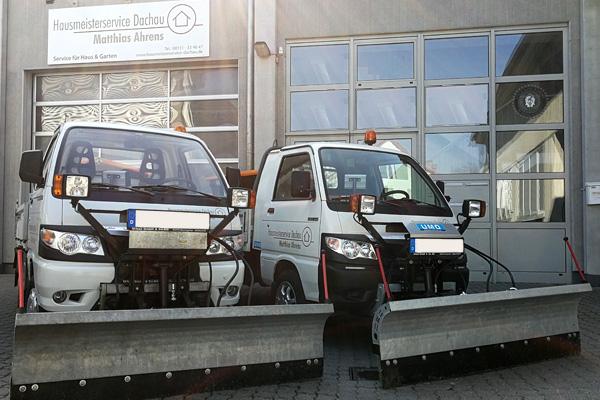 Ab sofort sind bei uns zwei moderne Räumfahrzeuge zum Schneeräumen und Salzstreuen im Einsatz.